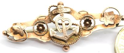 9ct gold naval sweetheart pink brooch, 2.6g. P&P Group 1 (£14+VAT for the first lot and £1+VAT for