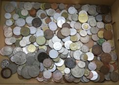 Quantity of pre decimal and world coinage. P&P Group 2 (£18+VAT for the first lot and £3+VAT for
