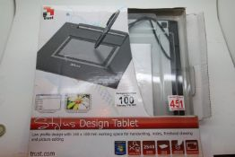 Boxed Trust Stylus design tablet. P&P Group 1 (£14+VAT for the first lot and £1+VAT for subsequent