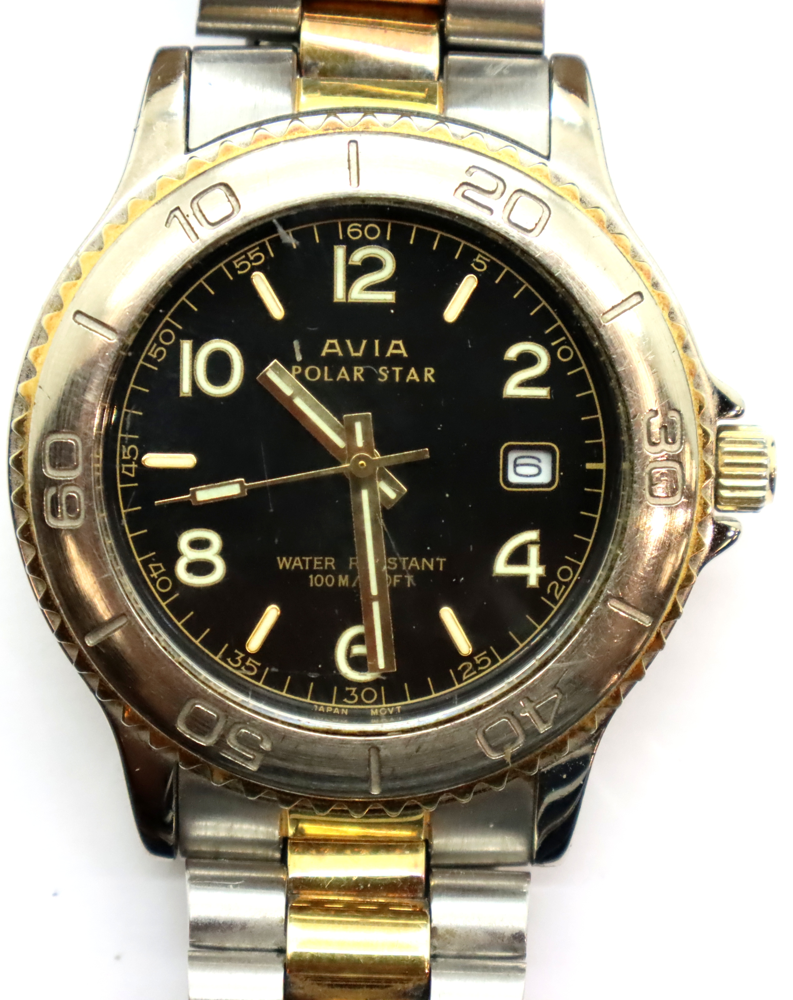 Gents Avia wristwatch, D: 3 cm. P&P Group 1 (£14+VAT for the first lot and £1+VAT for subsequent
