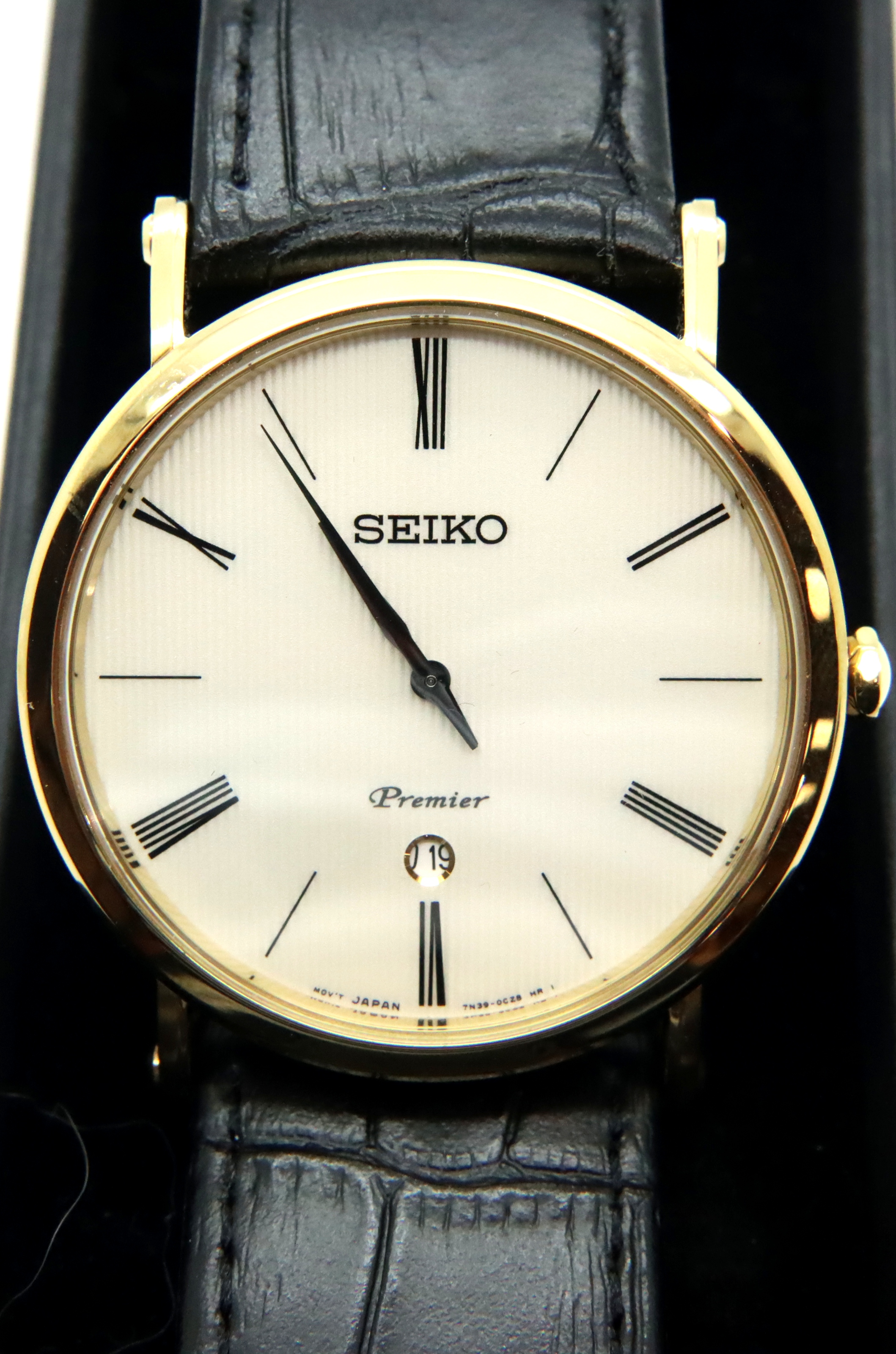 Gents Seiko calendar wristwatch, D: 4 cm. P&P Group 1 (£14+VAT for the first lot and £1+VAT for