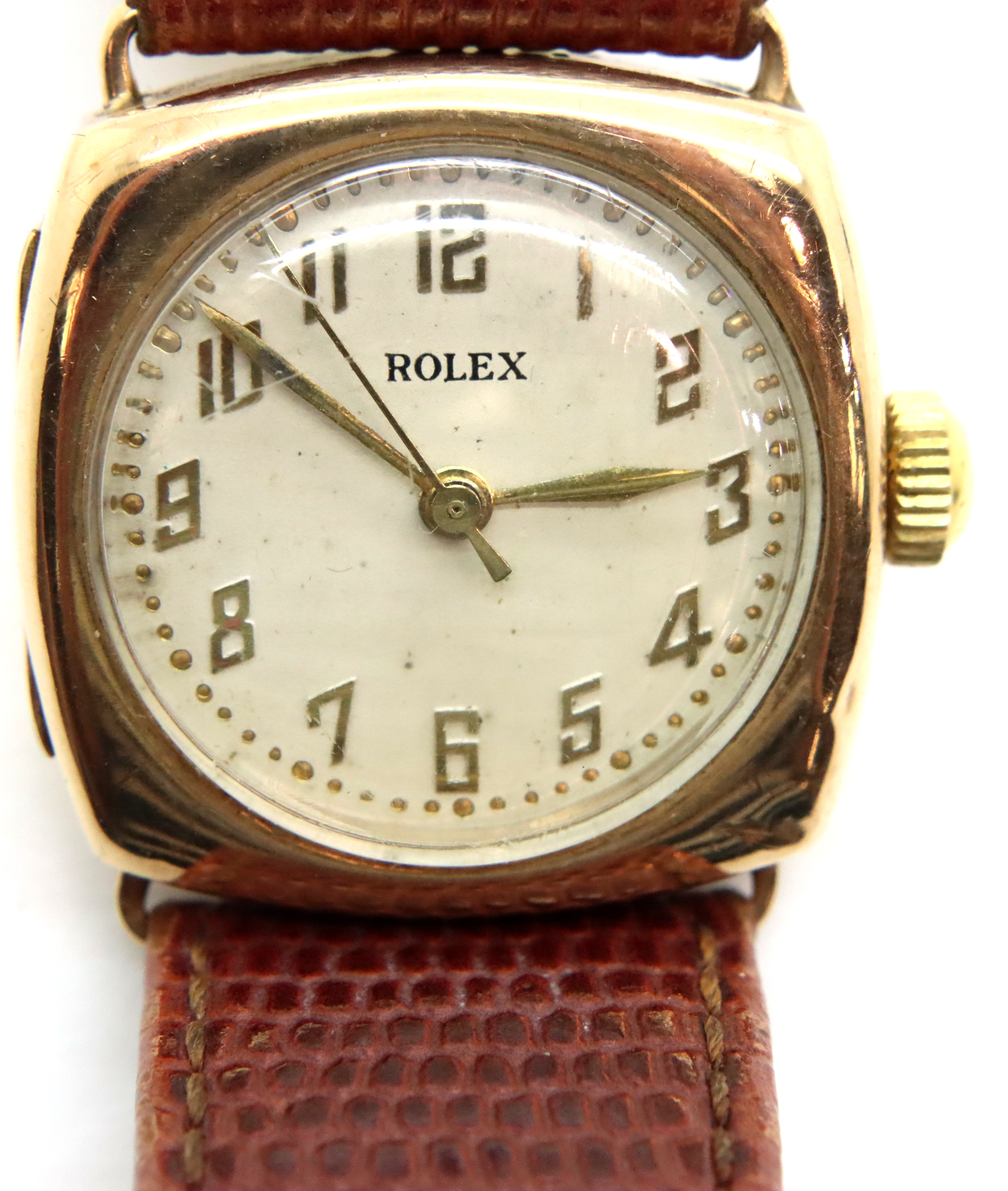 1950s 9ct gold Rolex wristwatch on leather strap in working order. P&P Group 1 (£14+VAT for the