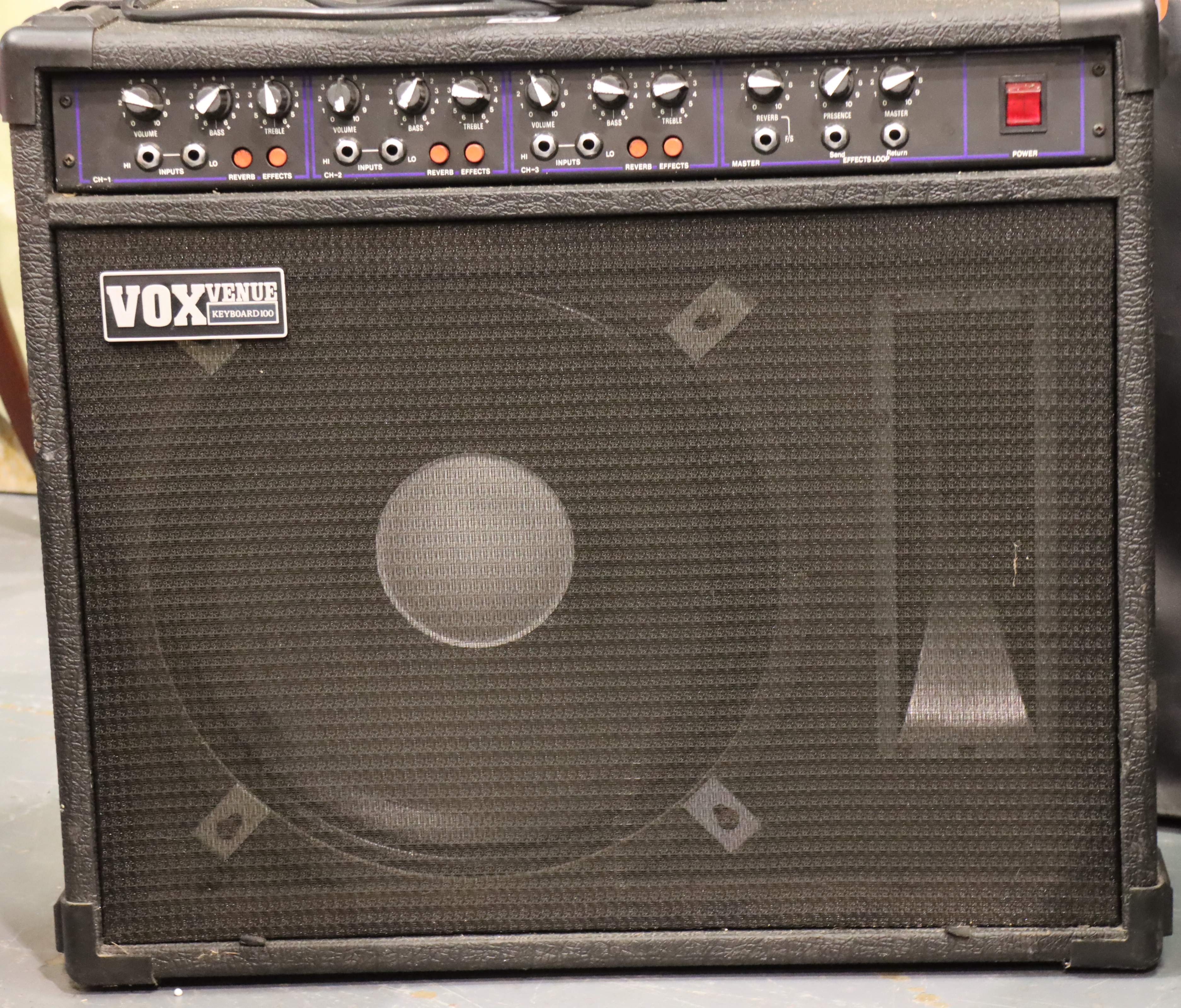 Vox Venue keyboard 100 amplifier. Not available for in-house P&P, contact Paul O'Hea at Mailboxes on