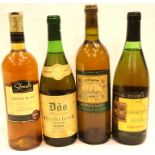 Four bottles of mixed white wine. P&P Group 3 (£25+VAT for the first lot and £5+VAT for subsequent