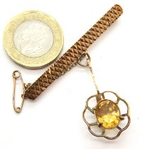 9ct gold bar brooch with citrine stone drop, 5.9g. P&P Group 1 (£14+VAT for the first lot and £1+VAT