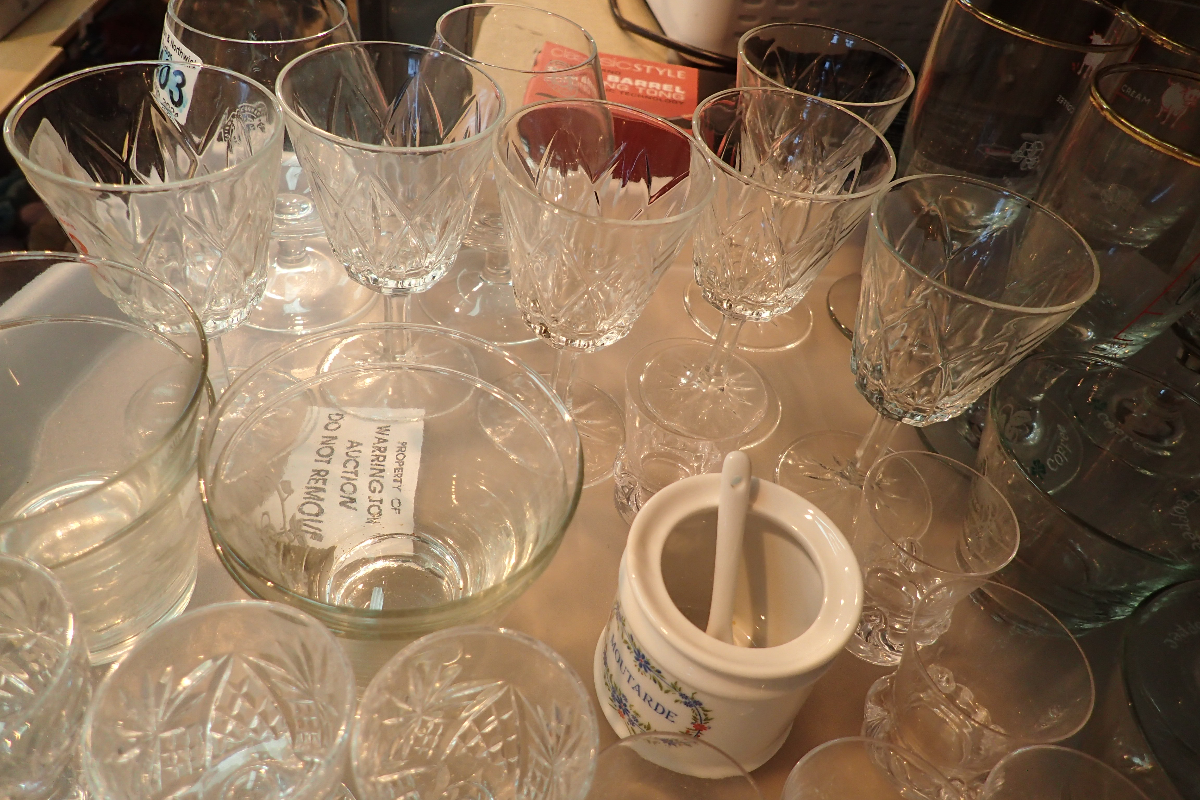 A selection of assorted glassware. Not available for in-house P&P, contact Paul O'Hea at Mailboxes