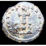 214 AD - Emperor Claudius Gothicus with 2 Captives under Victory. P&P Group 1 (£14+VAT for the first
