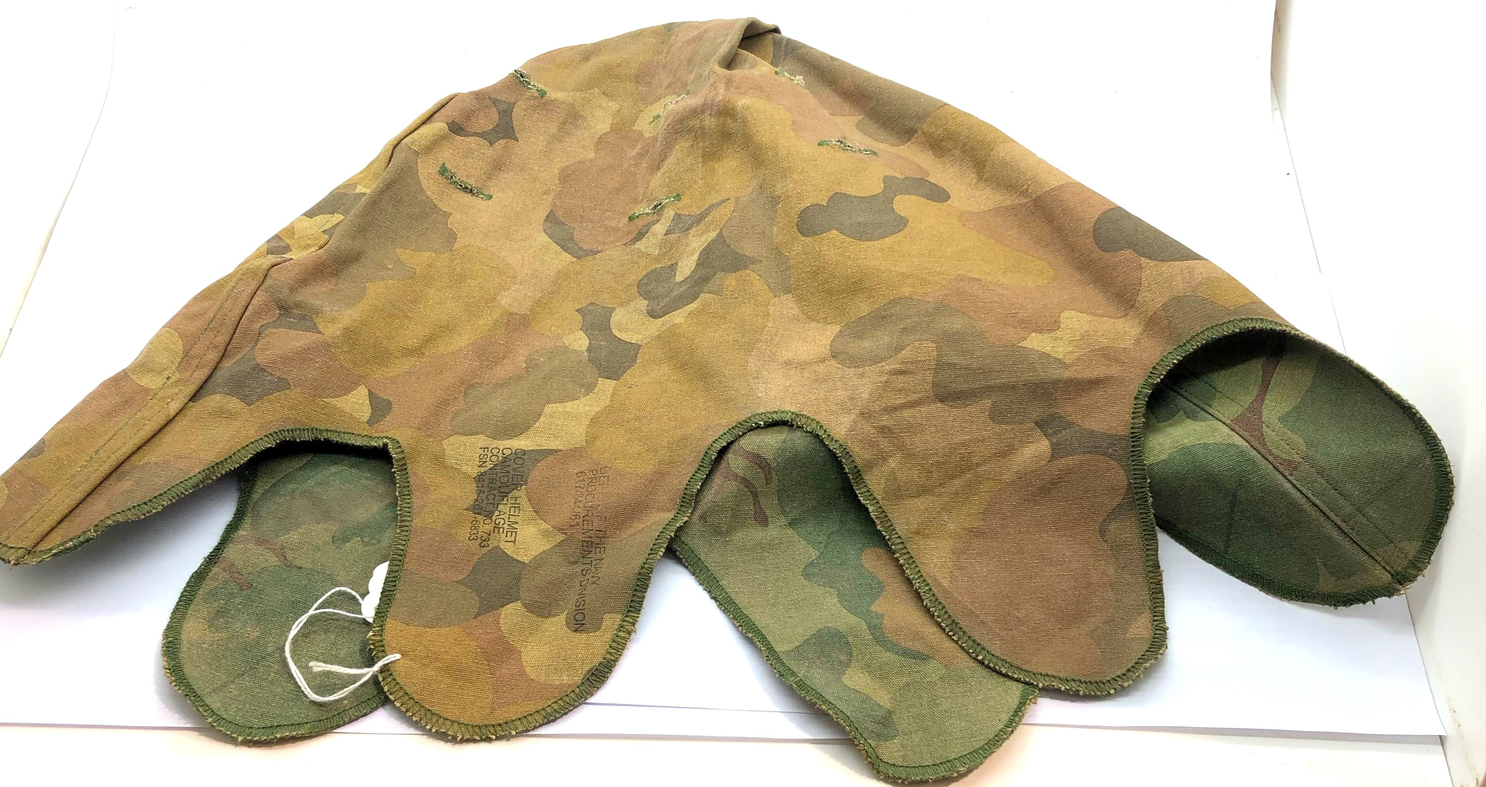 Vietnam War Period US M1 Helmet Reversible Mitch-Duck Hunter Cover. P&P Group 2 (£18+VAT for the - Image 3 of 3