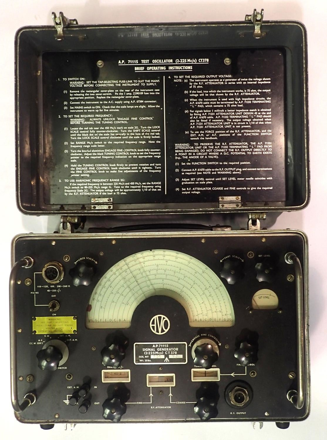 AVO A.P.71115 military spec Signal Generator. Not available for in-house P&P, contact Paul O'Hea