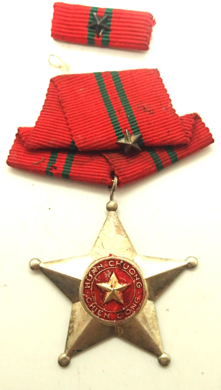 Vietnam War NVA medal, 2nd class. P&P Group 1 (£14+VAT for the first lot and £1+VAT for subsequent