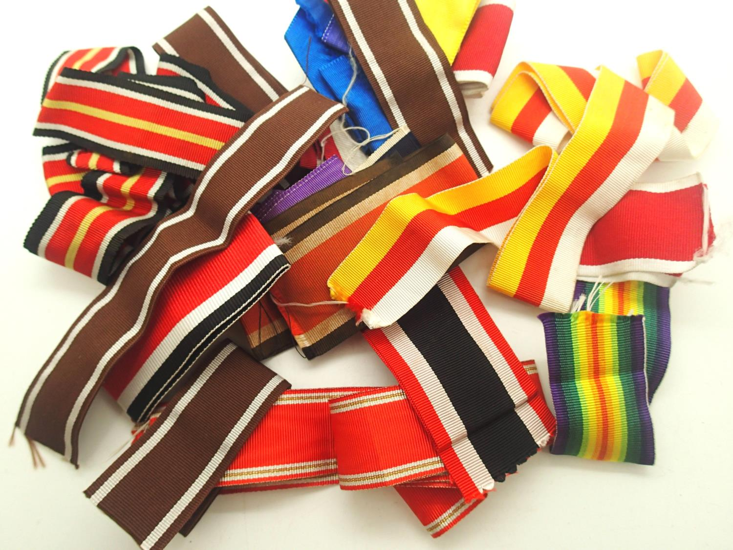 Quantity of mixed German and other replacement medal ribbons. P&P Group 1 (£14+VAT for the first lot