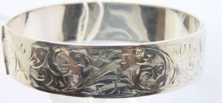 Vintage 1947 Charles Horner sterling silver bangle with overlap clasp, hallmarked Chester, D: 5.5