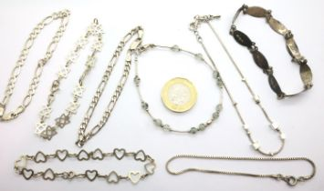 Eight silver bracelets of varying designs, combined 31g. P&P Group 1 (£14+VAT for the first lot