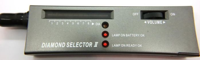 Cased diamond selector 2 diamond/precious stone tester with new battery. P&P Group 1 (£14+VAT for