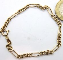 9ct gold link bracelet, L: 18 cm, 2.6g. P&P Group 1 (£14+VAT for the first lot and £1+VAT for