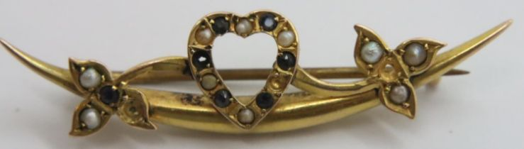 9ct gold sapphire and seed pearl bar brooch, 2.1g. P&P Group 1 (£14+VAT for the first lot and £1+VAT