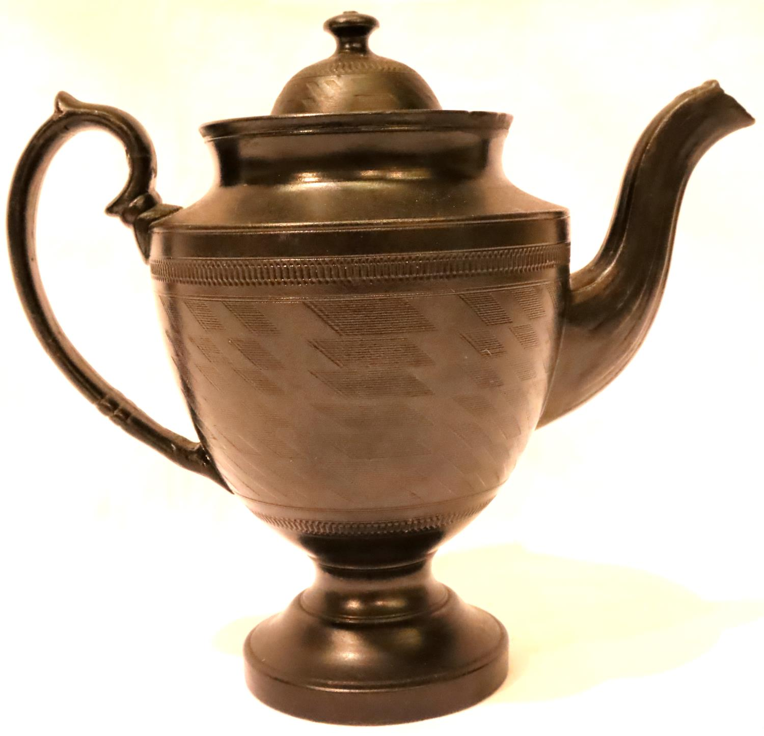 Victorian Jackfield teapot in black, H: 19 cm. P&P Group 2 (£18+VAT for the first lot and £3+VAT for