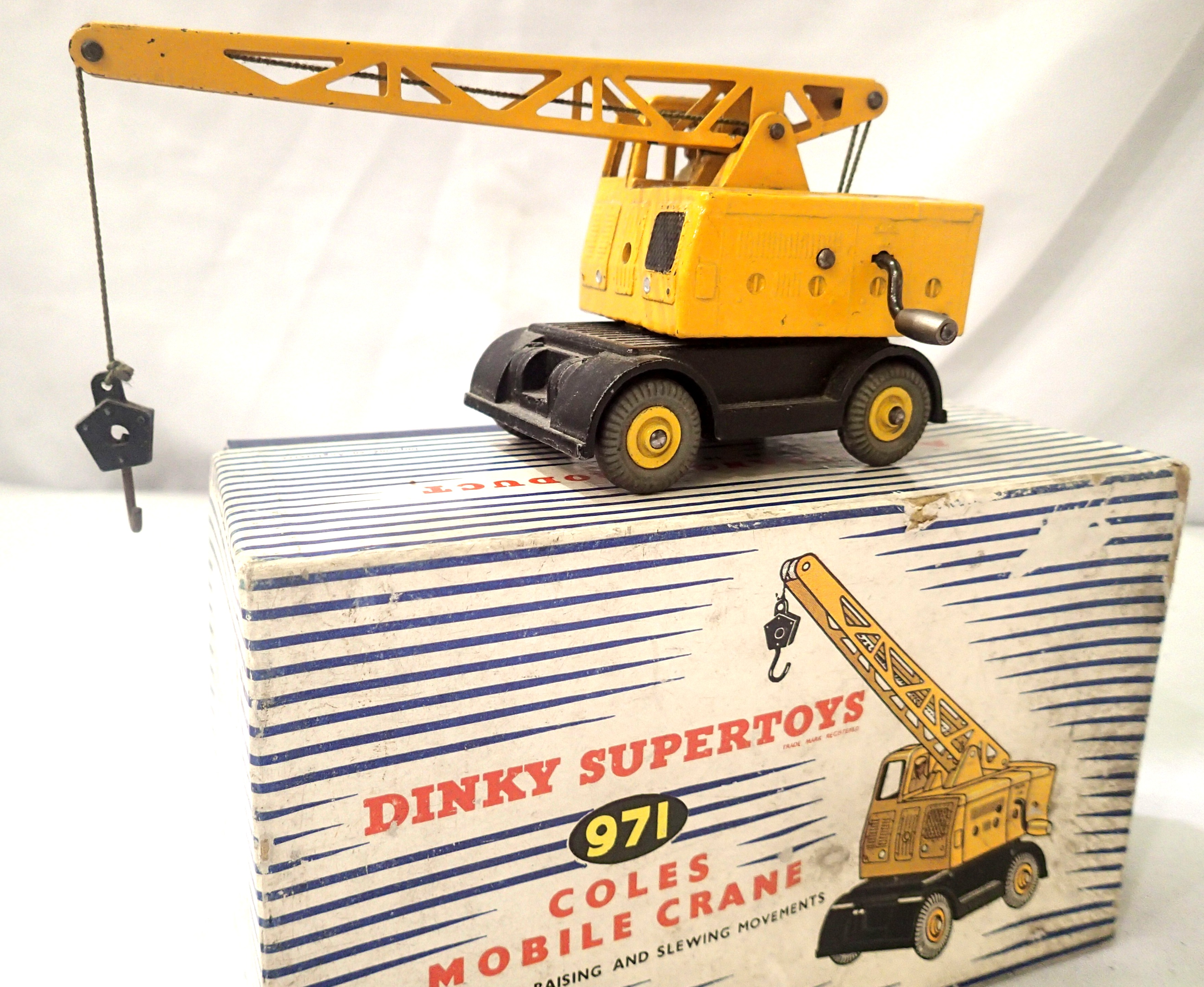 Dinky 971 Coles Mobile crane, boxed. P&P Group 1 (£14+VAT for the first lot and £1+VAT for