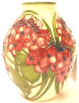 Moorcroft trial vase in the Hydrangea pattern (red colourway) H: 13 cm. P&P Group 2 (£18+VAT for the