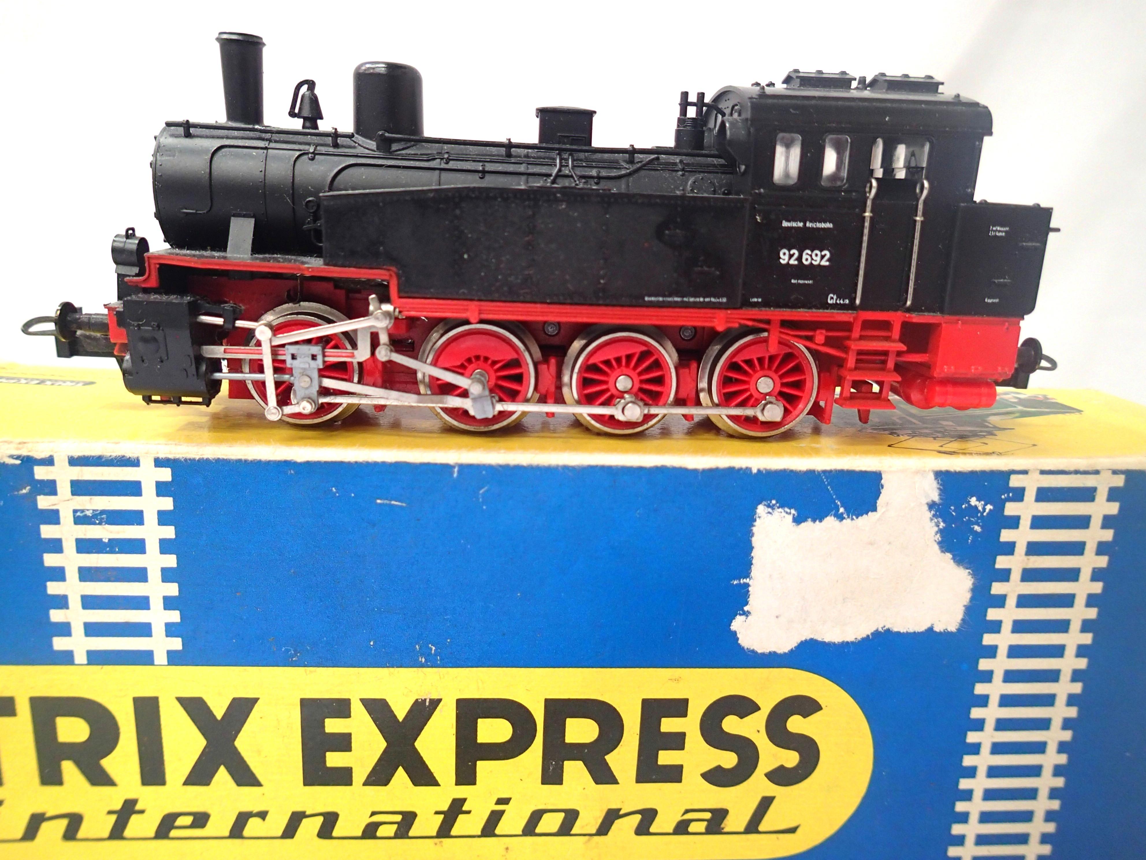 Trix 2428 D.B. BLACK BR 92 tank loco 92-692 in very good condition, box fair. P&P Group 1 (£14+VAT