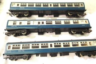 Three Hornby Blue/Grey Intercity coaches, in very good condition, unboxed, requires cleaning. P&P