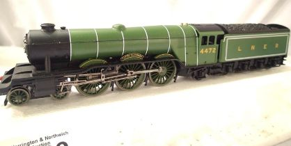 Hornby (China) Flying Scotsman, LNER Green. In very good condition, missing one front steps and