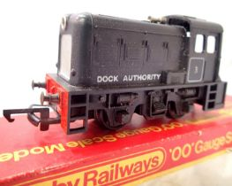 Hornby R253 Dock Tank Black, no. 3, in excellent condition, box poor. P&P Group 1 (£14+VAT for the