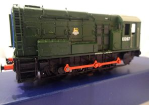 Bachmann 32-120 Class 08, Green, Early Crest, 13287. Very good condition, missing one rear cab