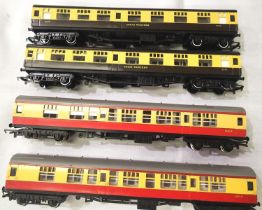 Four Hornby OO coaches 2 - BR Blood/Custard and two - G.W.R. Choc/Cream, all in VG to excellent