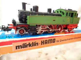Marklin 8312 HO scale 2.6.2. tank, Green/Red, 1207, in excellent condition, box fair. P&P Group