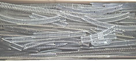 Very large quantity of OO scale track, flexi and Setrack pieces, steel and nickel silver, includes