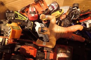 Mixed diecast and other toys. Not available for in-house P&P, contact Paul O'Hea at Mailboxes on