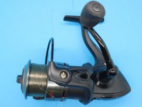 Map Carptek ACS 400 fishing reel. P&P Group 2 (£18+VAT for the first lot and £3+VAT for subsequent