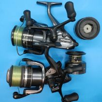 Two Shimano DL400FB baitrunner fishing reels. P&P Group 2 (£18+VAT for the first lot and £3+VAT