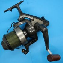 Shimano Biomaster XS 800 fishing reel. P&P Group 2 (£18+VAT for the first lot and £3+VAT for