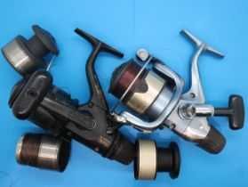 Two Shimano reels models 4000 and 3000. P&P Group 2 (£18+VAT for the first lot and £3+VAT for