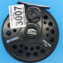 Shakespeare geared Omnix fly fishing reel. P&P Group 2 (£18+VAT for the first lot and £3+VAT for