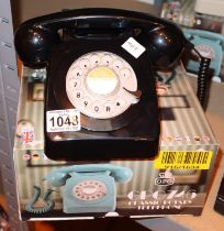 Black, GPO746 Retro rotary telephone replica of the 1970s classic, compatible with modern