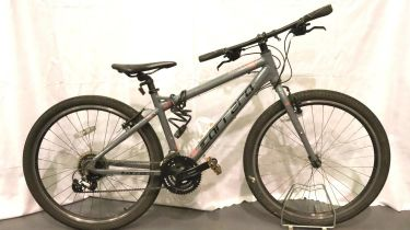 Carrera limited edition Axle trial bike, 17 inch frame, 18 gears. Not available for in-house P&P,