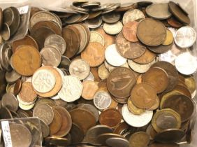 A large collection of 20th century world coins. P&P Group 1 (£14+VAT for the first lot and £1+VAT