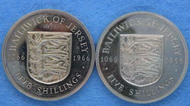 1966 two coin boxed set of Jersey crowns. P&P Group 1 (£14+VAT for the first lot and £1+VAT for