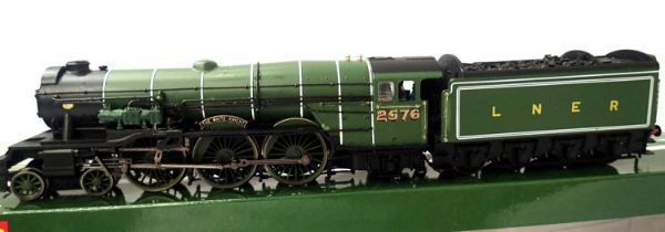 Hornby Class A3 renumber/name The White Knight, 2576 LNER Green, DCC fitted no. 6, in very good. P&P