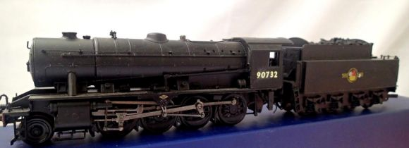 Bachmann rename/number 90732, BR Black, Late Crest, in very good condition, modified coupling, wrong