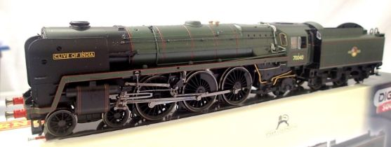 Hornby R 2992 X5 Class 7MT, Clive of India, 70040, Green, Late Crest, fitted sound, in excellent