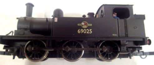 Bachmann J72 Tank, BR Black 69025, modified couplings, DCC fitted no. 5, in very good condition to
