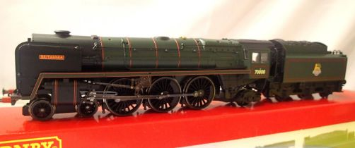 Hornby R2207 Class 7MT, Britannia, BR Green, Early Crest in excellent to very near mint condition,