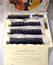 Hornby R2788 Coronation train pack, Princess Alexandra and three coaches, LMS Streamlined Blue/