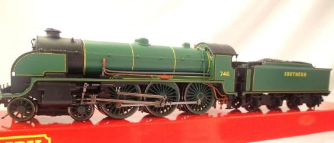 Hornby R2620 Class N15 Pendragon, no 746, Southern Green in excellent to very near mint condition.
