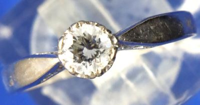 18ct white gold ring, approximately 0.2ct circular diamond, size L, 2.8g. P&P Group 1 (£14+VAT for