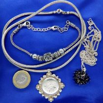 Modern 925 silver necklace, a heavy gauge necklace with a hallmarked silver pendant and a